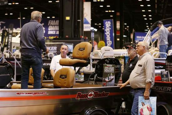 资料图片:美国芝加哥游艇和帆船展。(新华社)