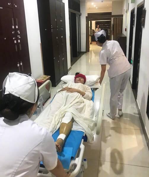 杨丽萍腿部骨折 发文报平安:感谢大家对我的关怀