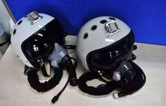 独家|俄媒:中国列装新款飞行头盔 这次是原创
