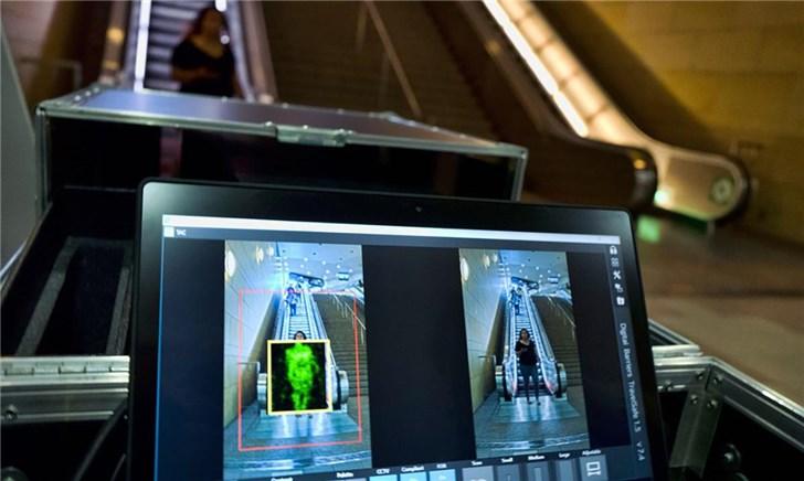 美国首批人体扫描仪落户洛杉矶,地铁安检再也不排队