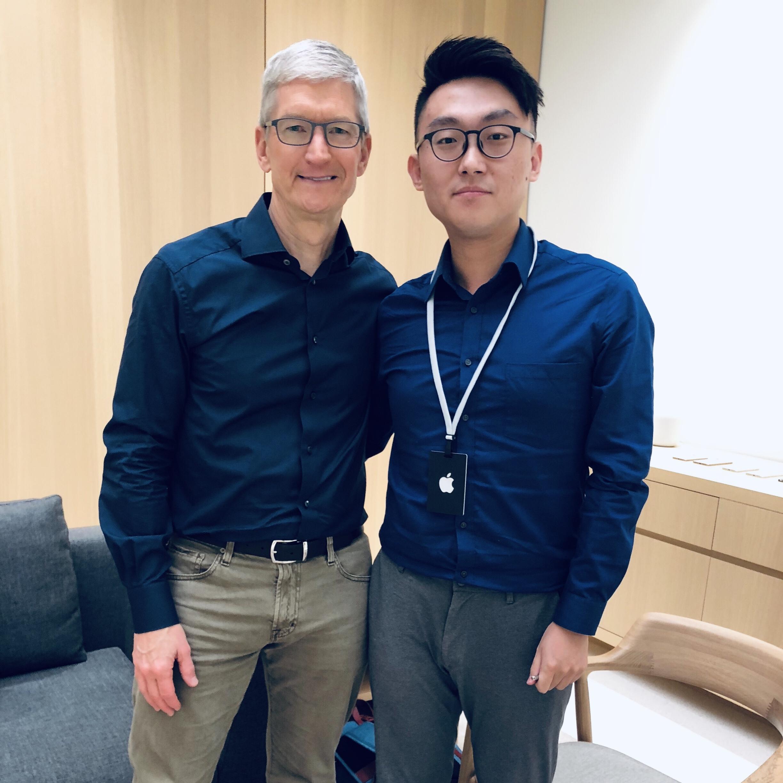 独家专访苹果CEO Tim Cook:我们从中国学会了做大屏iPhone和双卡双待
