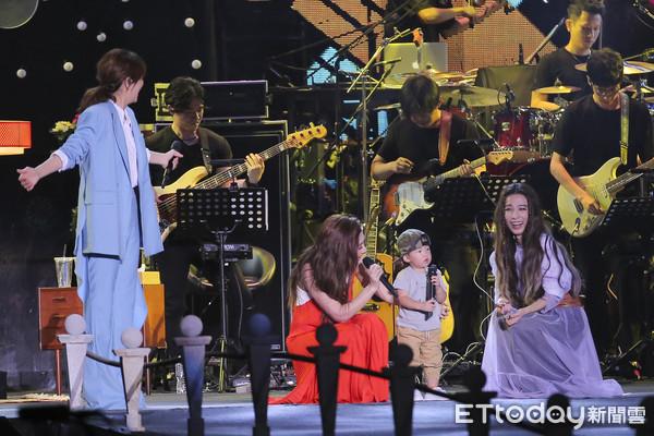Selina承认周年演唱会假唱:声音出现了状况