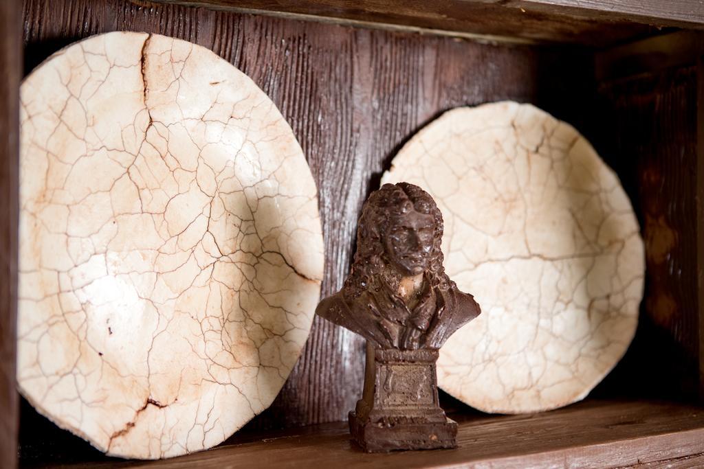 威利旺卡现实版!法国度假小屋由1.5吨巧克力制成