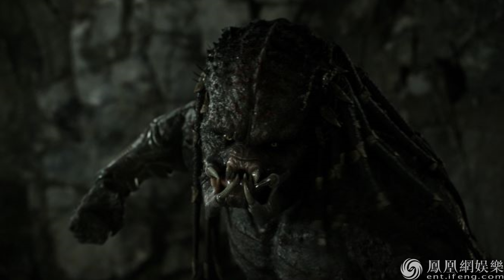 《铁血战士》北美上映 首周末票房实力登顶