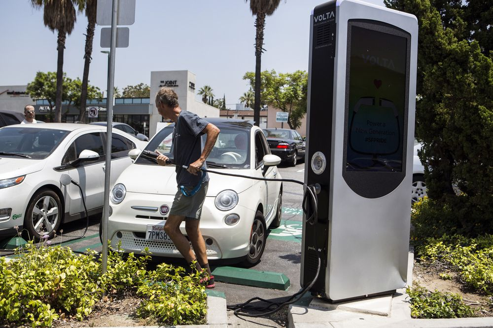 加州考虑对电动汽车追加2000美元补贴 总额增至4500