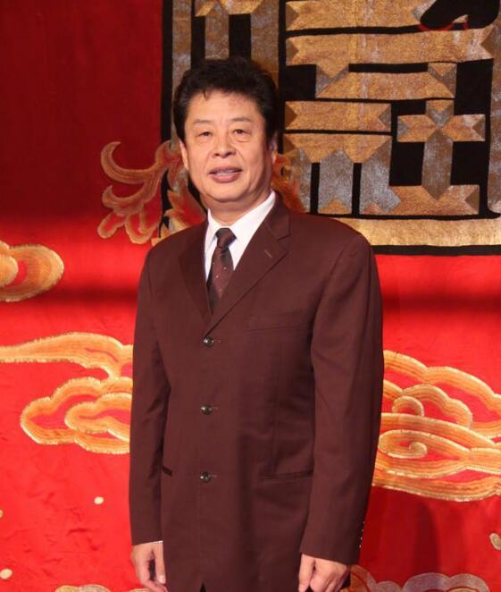 """第五代""""宝""""字辈相声演员谢天顺逝世 享年73岁"""