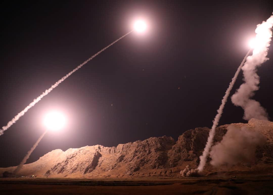 """伊朗向""""伊斯兰国""""控制区发射弹道导弹 报复阅兵恐袭"""
