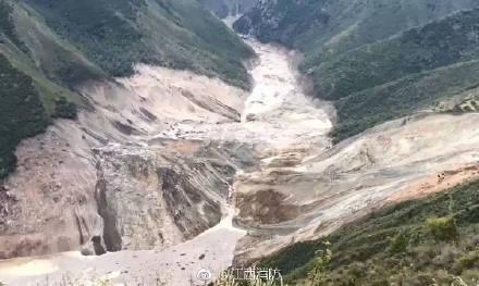 金沙江堰塞湖抢险:后续梯队连夜翻3座高山抵近现场