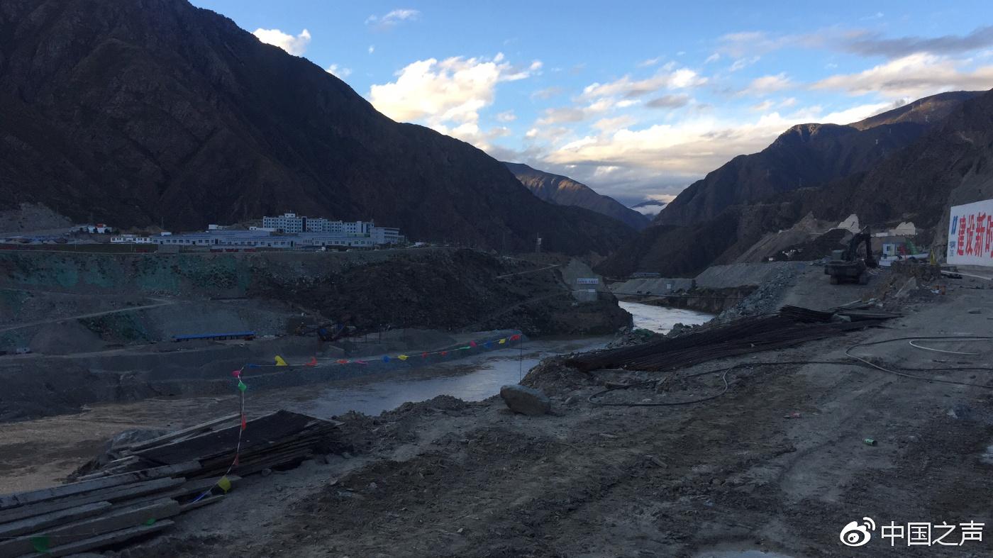 金沙江堰塞湖滑坡体现裂缝 专家:再滑坡不会加剧险情