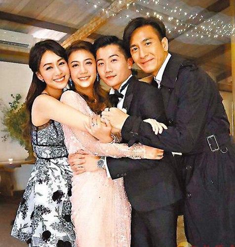 黄心颖带男友马国明参加婚礼 见证姐姐揭头纱感动