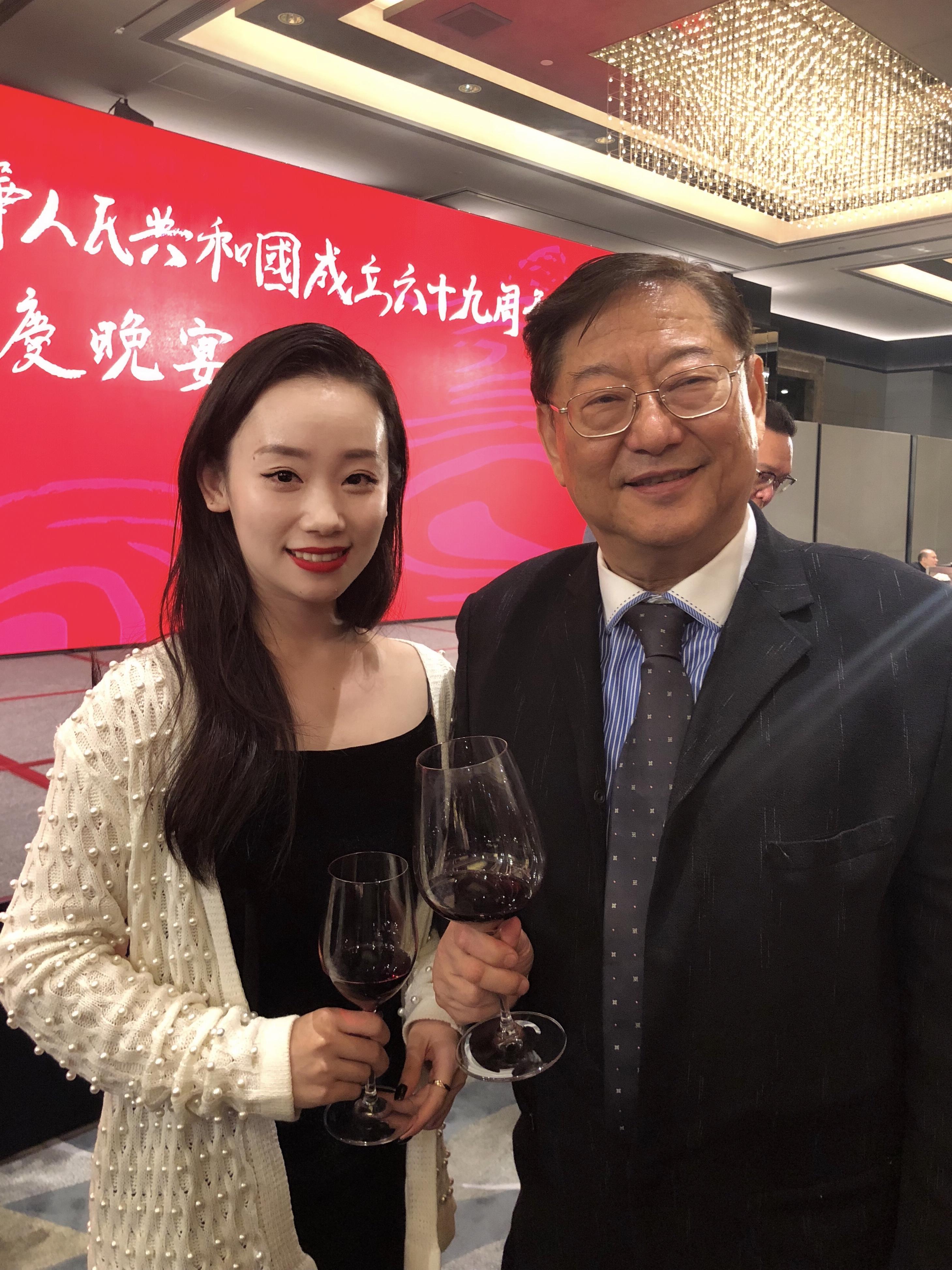 杜少杰与古天乐、赵涛等参加香港庆祝建国69周年晚宴