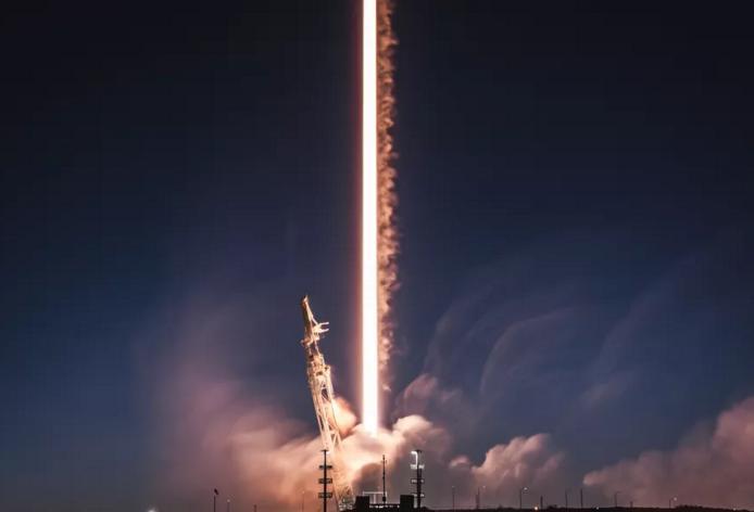 为减少太空垃圾 SpaceX拟降低互联网卫星轨道高度