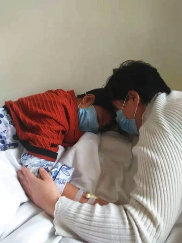 骨髓配型成功却无钱手术14岁男孩央求爸妈:不治了