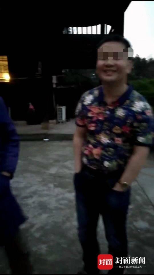 湖南外子邱铁山在体验权健八卦仪汗蒸30分钟后癫痫发作,物化在火疗店卫生间。