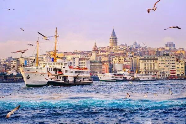 土耳其最佳游览季   热气球视角、洞穴酒店、唯美温泉…假装身处外星球