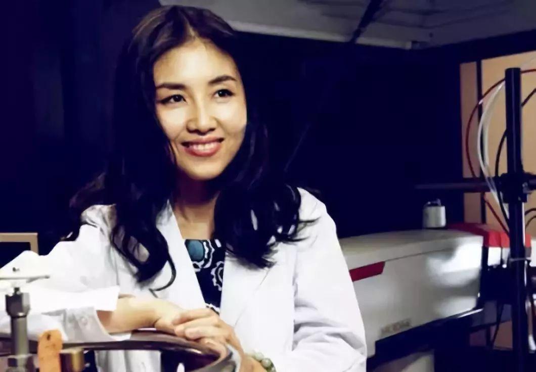 这个让世界崇拜的中国女人在朋友圈喜提1000次催婚…