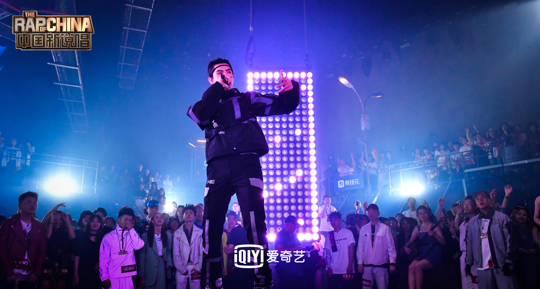 """《中国新说唱》2019全网热议 吴亦凡新式""""宽面""""上桌"""