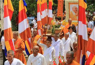 柬埔寨迎请中国高僧舍利盛大仪式