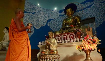 佛缘之路走进尼泊尔:异国众僧为佛缘之路送祝福