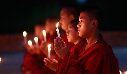 佛缘之路走进尼泊尔:佛祖诞生地供灯祈福