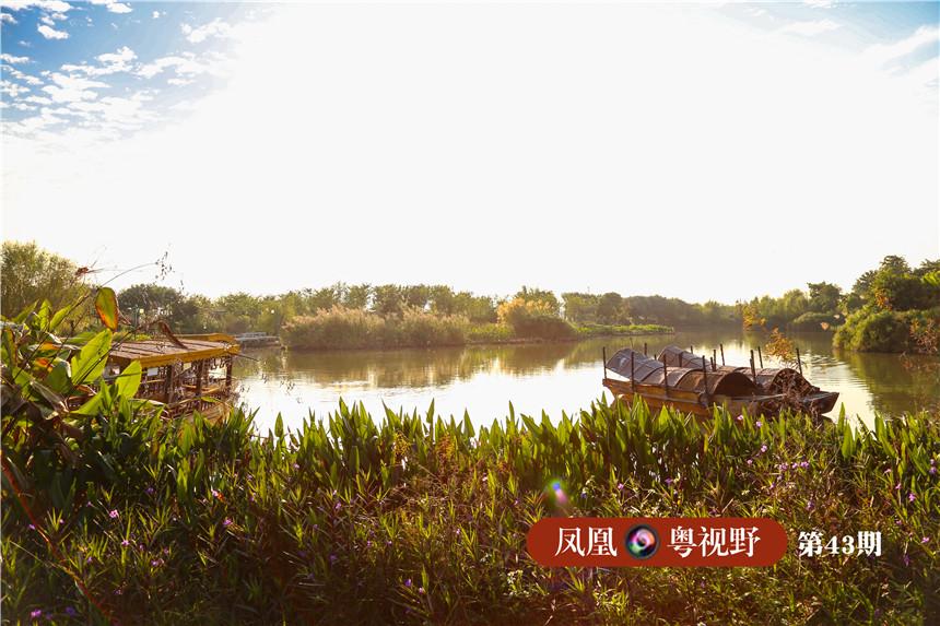 """在湿地文化中,""""舟""""是其浓墨重彩的一笔。穿过""""都市风光""""之后,便来到""""古荫帆影""""。"""