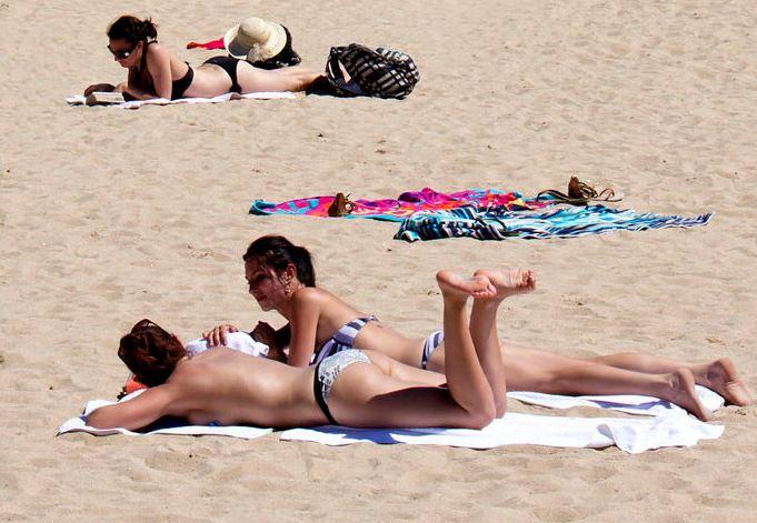 no!宁愿去戛纳海滩裸浴阳光图片