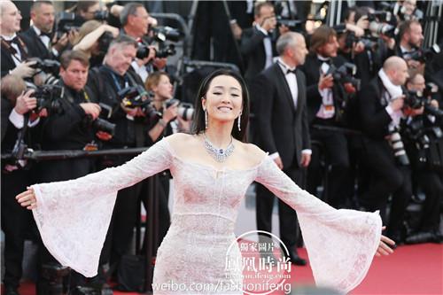 巩俐戛纳红毯采访 刘亦菲戛纳红毯显惊艳 - 点击图片进入下一页