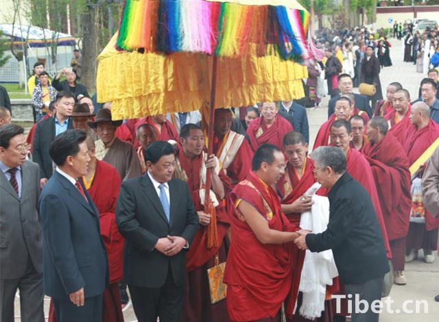 88必发老虎机这次回藏 1名副国级3名省部级官员前往迎接(图
