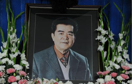 """歌唱家郭颂追悼会举行 现场放""""乌苏里船歌""""【星看点】"""