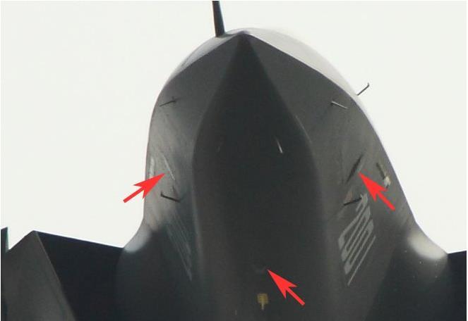 首曝歼-20新光电系统:360度监控 干扰敌导弹