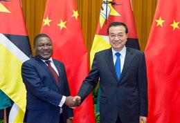 李克强会见莫桑比克总统