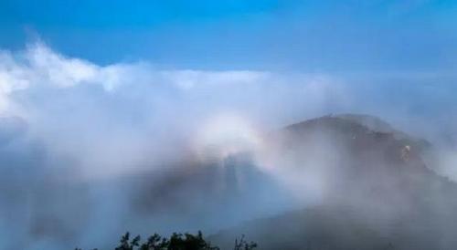 佛教禅修  据花果山风景区官方介绍,6月5日,花果山出现雾海奇观,雾海