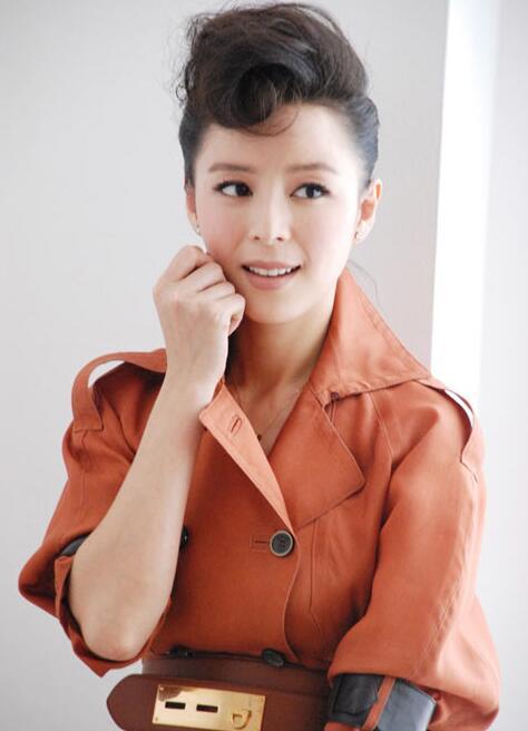 张静初获最佳女演员:希望枪战只在电影中出现【星看点】