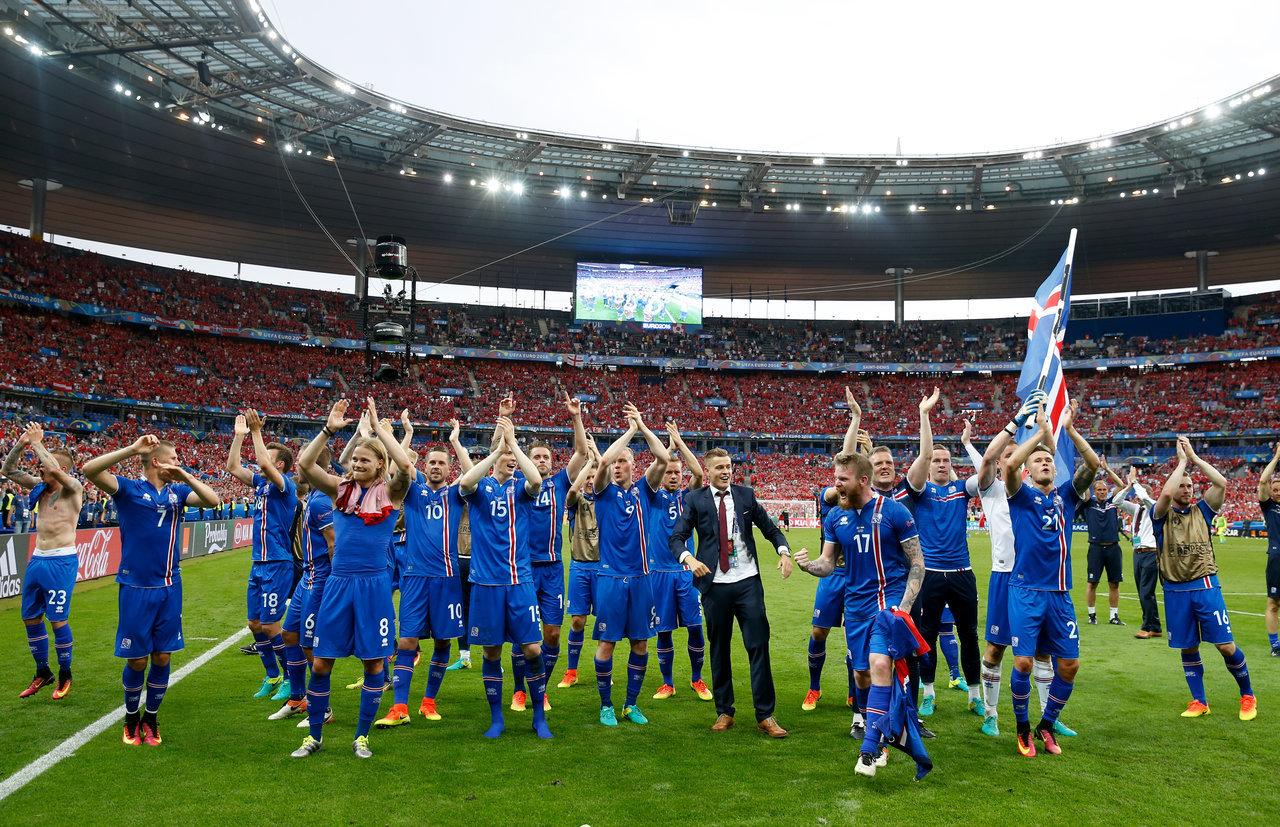 欧洲杯-冰岛补时2-1绝杀 将战英格兰