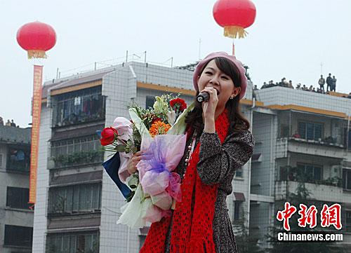 【有意思】台童星卓依婷低调结婚 曾被传十几年前已死亡