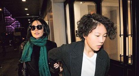 台媒曝王菲演唱会制作费1.6亿 或与窦靖童同台【有看点】