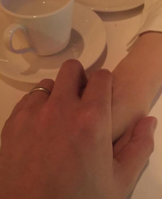 结婚2年,古巨基用这句话拴住了老婆……【有看点】