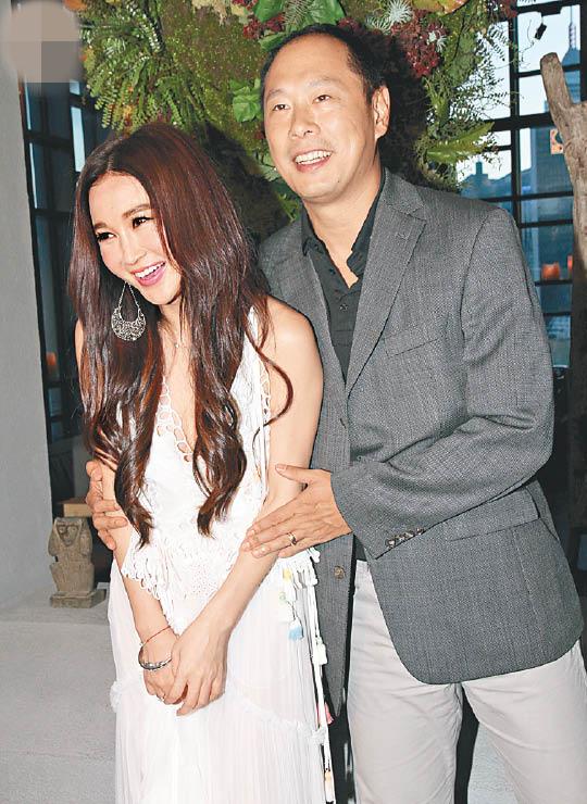 【星娱TV】温碧霞庆生真空上阵 称老公经常送珠宝