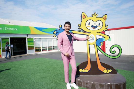 小包总探访奥运村传递自信力量,为中国跳水队