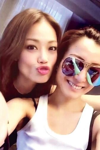 【星娱TV】郑秀文44岁生日独自过 容祖儿偶遇献吻