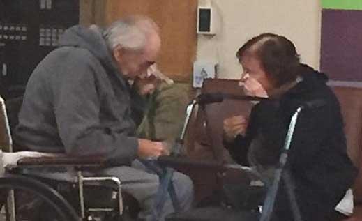 夫妇结婚62年被迫分开