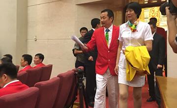 习近平将会见奥运代表团:郎平步入人民大会堂