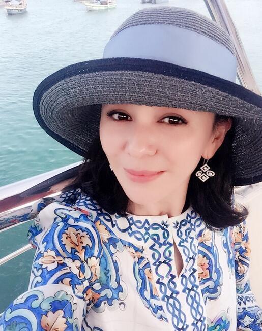 【星娱TV】王琳称郎平为一生偶像:女排精神 永远鼓舞我们