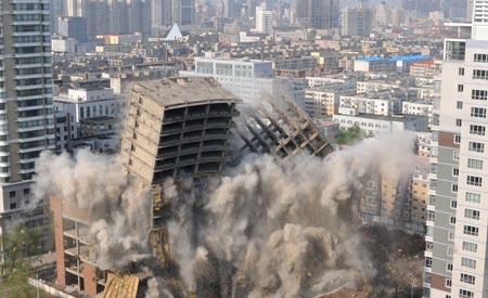 中国式烂尾楼:房地产泡沫的倒塌