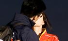 郭晶晶霍启刚甜蜜拥吻:没想到能走到最后