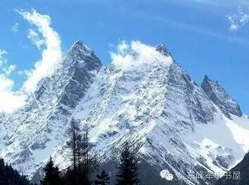 山位于四川省雅安市,主峰海拔为4930米,是红军长征翻越的第一座大雪山