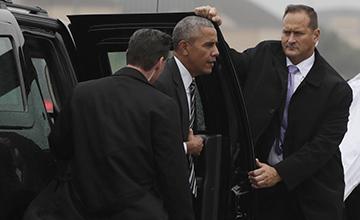 奥巴马等多国政要都来出席他的葬礼