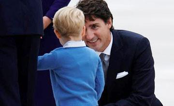 """乔治王子会见""""最帅总理""""特鲁多瞬间"""