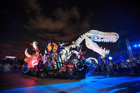 搞 怪 假期 常州中华恐龙园节日开启万圣大趴