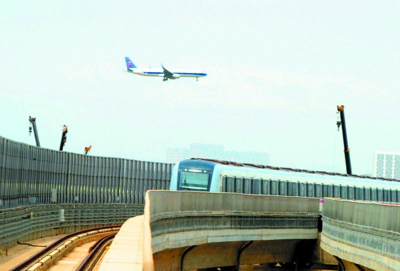 武汉地铁机场线 天地一线牵图片